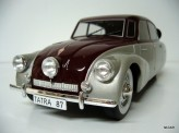MODEL CAR GROUP 1:18 Tatra 87 1937
